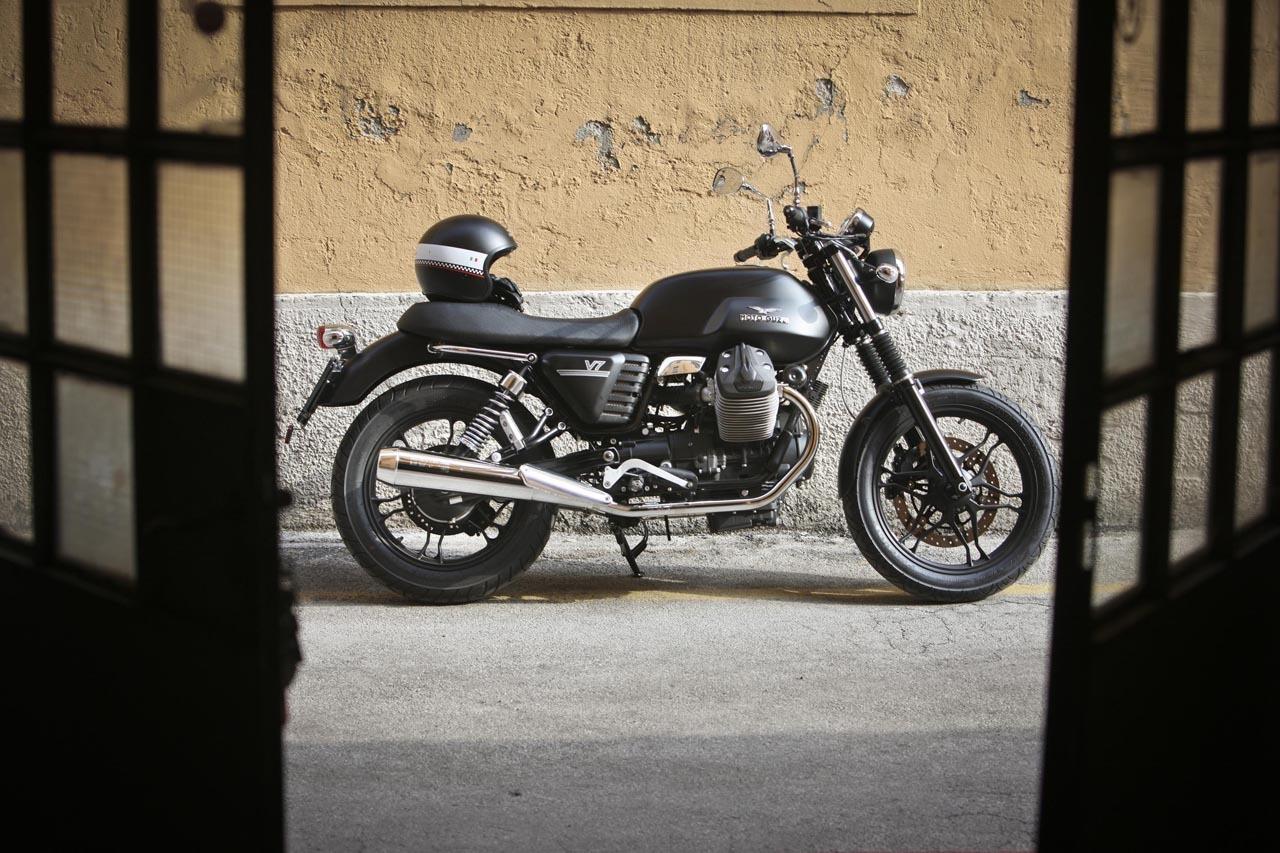 Foto de Moto Guzzi V7 Stone (16/57)