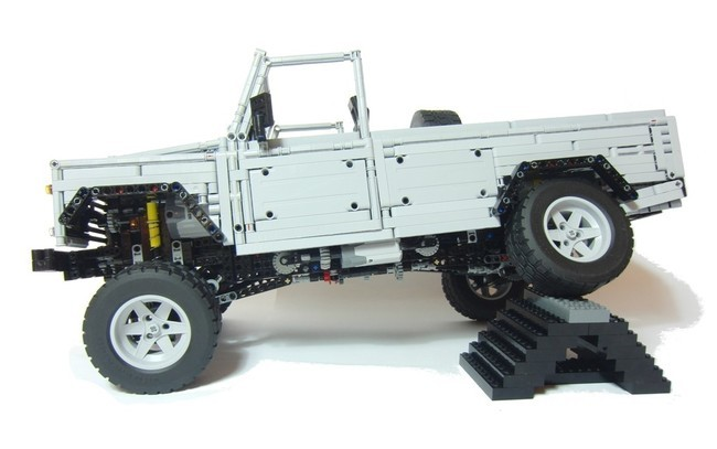 Land Rover LEGO Defender