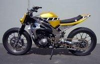 Yamaha R1 Street Tracker, la Yamaha TZ750 Kenny Roberts actualizada