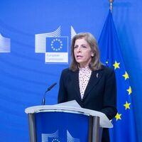 """La tensión entre AstraZeneca y la Comisión Europea se hace mucho más intensa: lo que sabemos sobre la """"crisis de las vacunas"""" que tiene en vilo a Europa"""