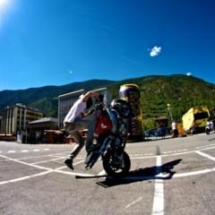 Foto 16 de 18 de la galería exito-del-primer-campeonato-de-freestyle-stunt-riding-encamp-2011 en Motorpasion Moto