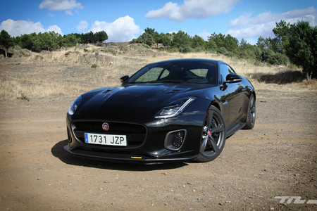 Probamos el Jaguar F-Type 400 Sport, el 'After Eight' de 400 CV que solo durará un año