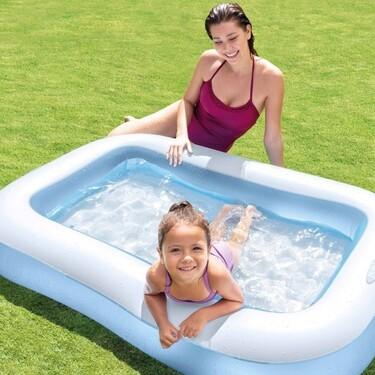 Es la piscina hinchable para niños más valorada de Amazon con más de 8.000 valoraciones
