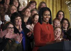 La moda le debe mucho a Michelle Obama y así es como se lo han agradecido estos 11 diseñadores