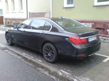 BMW 760i, un motor V12 para el No-BMW M7