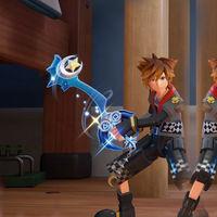 Kingdom Hearts III muestra en movimiento la Llave Espada de PS4 y la de Xbox  incluidas en las reservas
