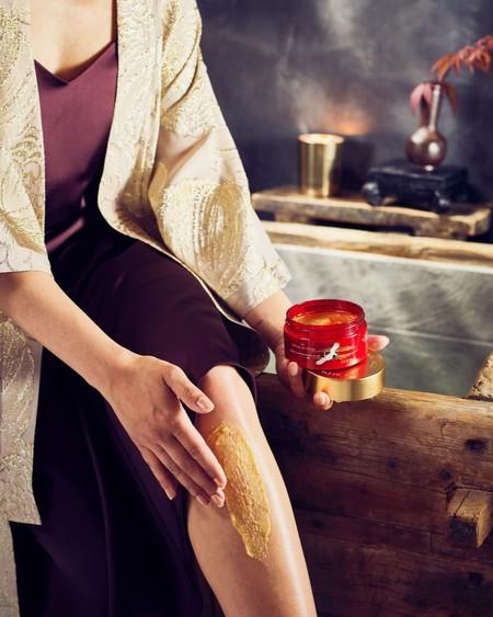 Bañarse en oro es (literalmente) posible con los productos de la nueva colección especial de Rituals