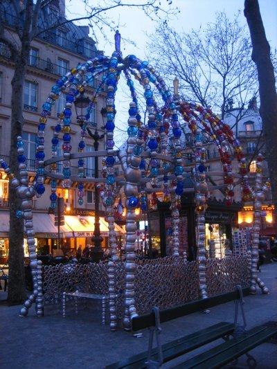 El Kiosco de los Noctámbulos en París