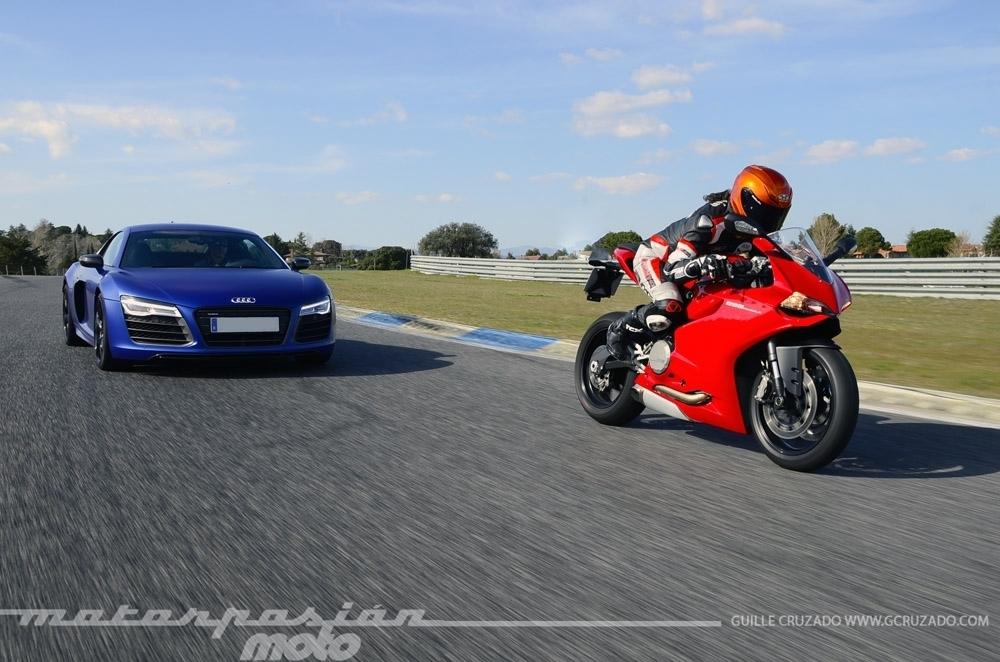 Foto de Ducati 899 Panigale Vs Audi R8 V10 Plus (24/24)