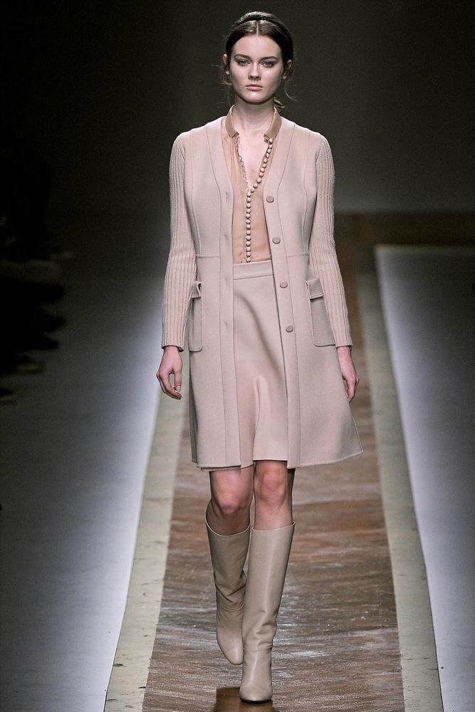 Foto de Valentino Otoño-Invierno 2011/2012 en la Semana de la Moda de París: la moda está triste (1/23)