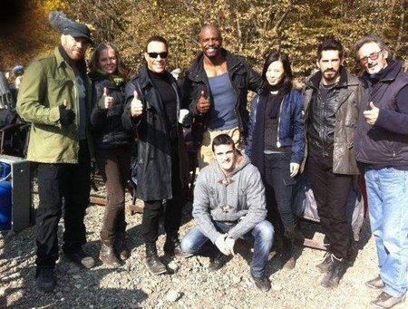 Van Damme con el equipo de Los Mercenarios 2