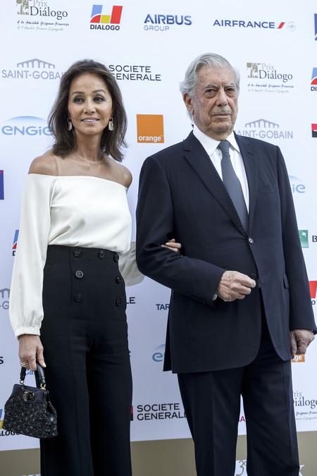 Isabel Preysler, locuela enamorada que tiene esperando a su Vargas Llosa