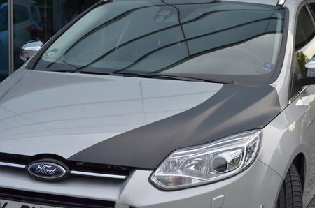 Ford Focus con capó CFRP