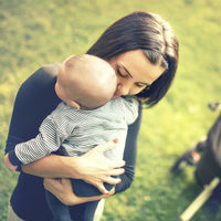 Las mujeres que dan a luz a niños son más propensas a sufrir depresión postparto