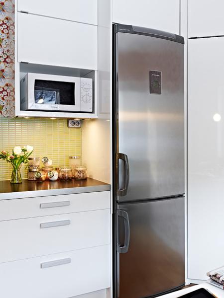Espacios que inspiran una cocina a medio camino entre lo for Decoesfera cocinas