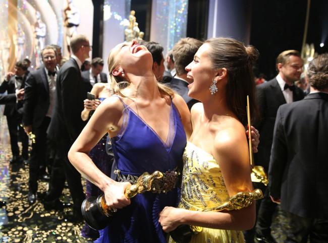 Brie Larson y Alicia Vikander en los Oscars