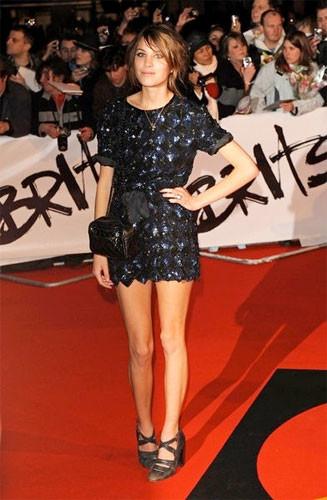 El fantástico atuendo de Alexa Chung para los Brits 2009
