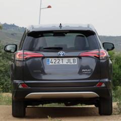 Foto 23 de 25 de la galería prueba-toyota-rav4-hybrid-exteriores-coche en Motorpasión