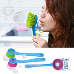 Bubble scrubber para hacer pompas de jabón con los niños mientras lavas los platos