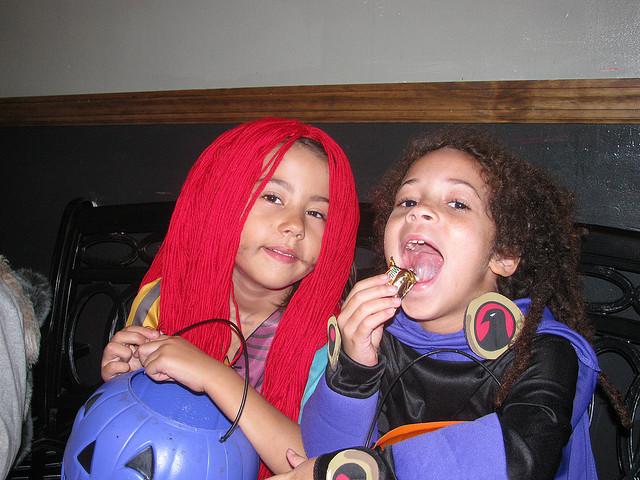 Comiendo dulces en Halloween 2
