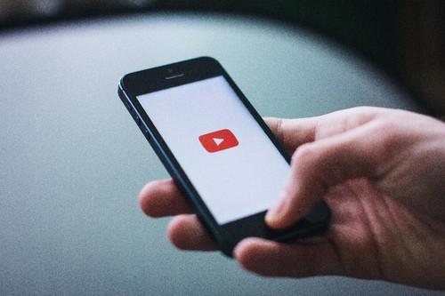 Crear una lista de reproducción en YouTube para tener una discoteca siempre a mano es muy fácil siguiendo estos pasos