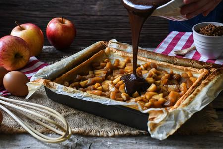 Elaboración de la tarta de manzana y chocolate