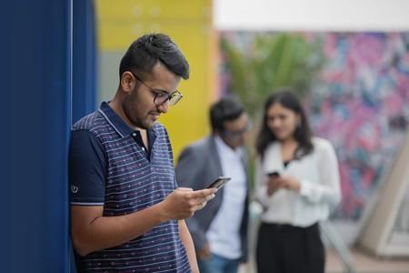 Telcel, AT&T y Movistar tienen caídas históricas por la pandemia: la telefonía móvil cae con el PIB en México según The CIU