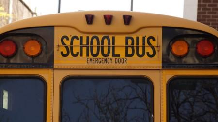 Seguridad vial en los autobuses, para los niños ¿vale con un cinturón como el del avión, eso es seguridad real?