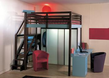 La cama en el techo versi n i for Cama oficina