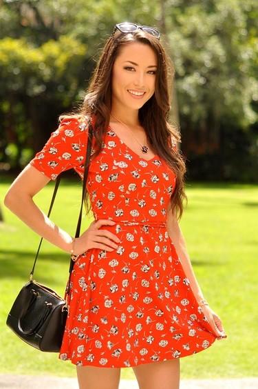 Claves de estilo para ir de shopping: vestidos retro para viajar en el tiempo