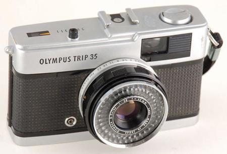 Olympus podría estar preparando una compacta avanzada Micro Cuatro Tercios inspirada en la Trip 35 clásica