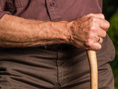 Sensores y cámaras para el cuidado de los ancianos: ¿pueden prevenirse las caídas?