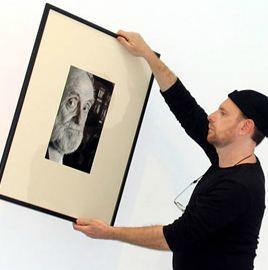 Le Monde tira a la basura el archivo fotográfico de Daniel Mordzinski