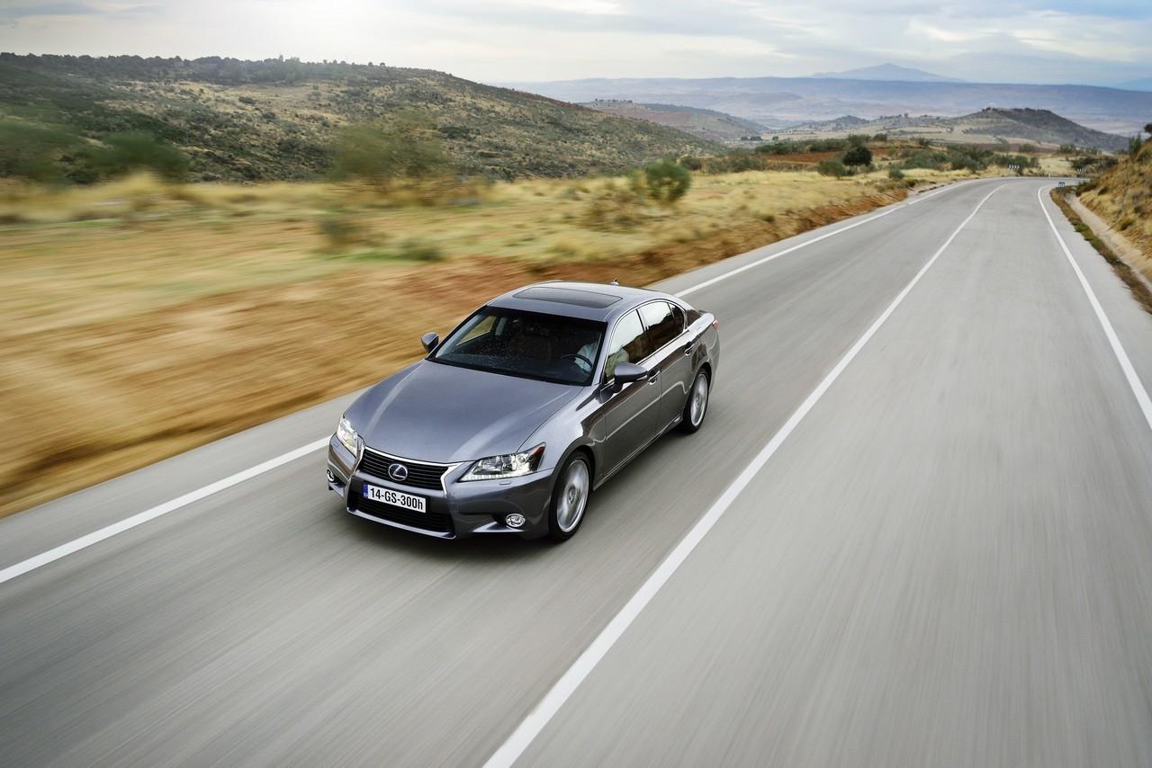 Foto de Lexus GS 300h (140/153)