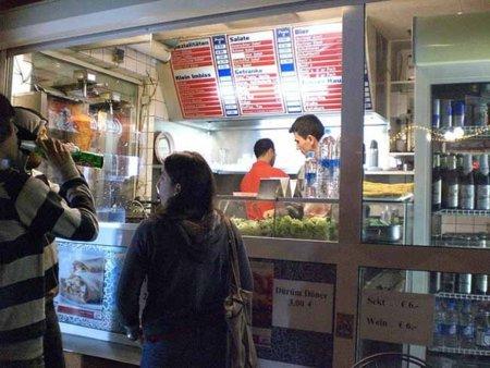 Algunas pautas a tener en cuenta a la hora de adquirir comida preparada en la calle