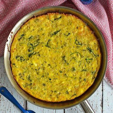 Frittata de pasta, arúgula y queso de cabra. Receta