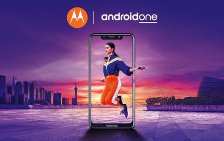 Motorola Moto One: el primer Android One de Motorola llega con 'notch', NFC y cámara doble
