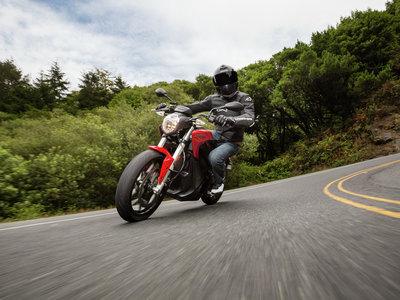 Las motos eléctricas Zero llegan a los 325 kilómetros de autonomía