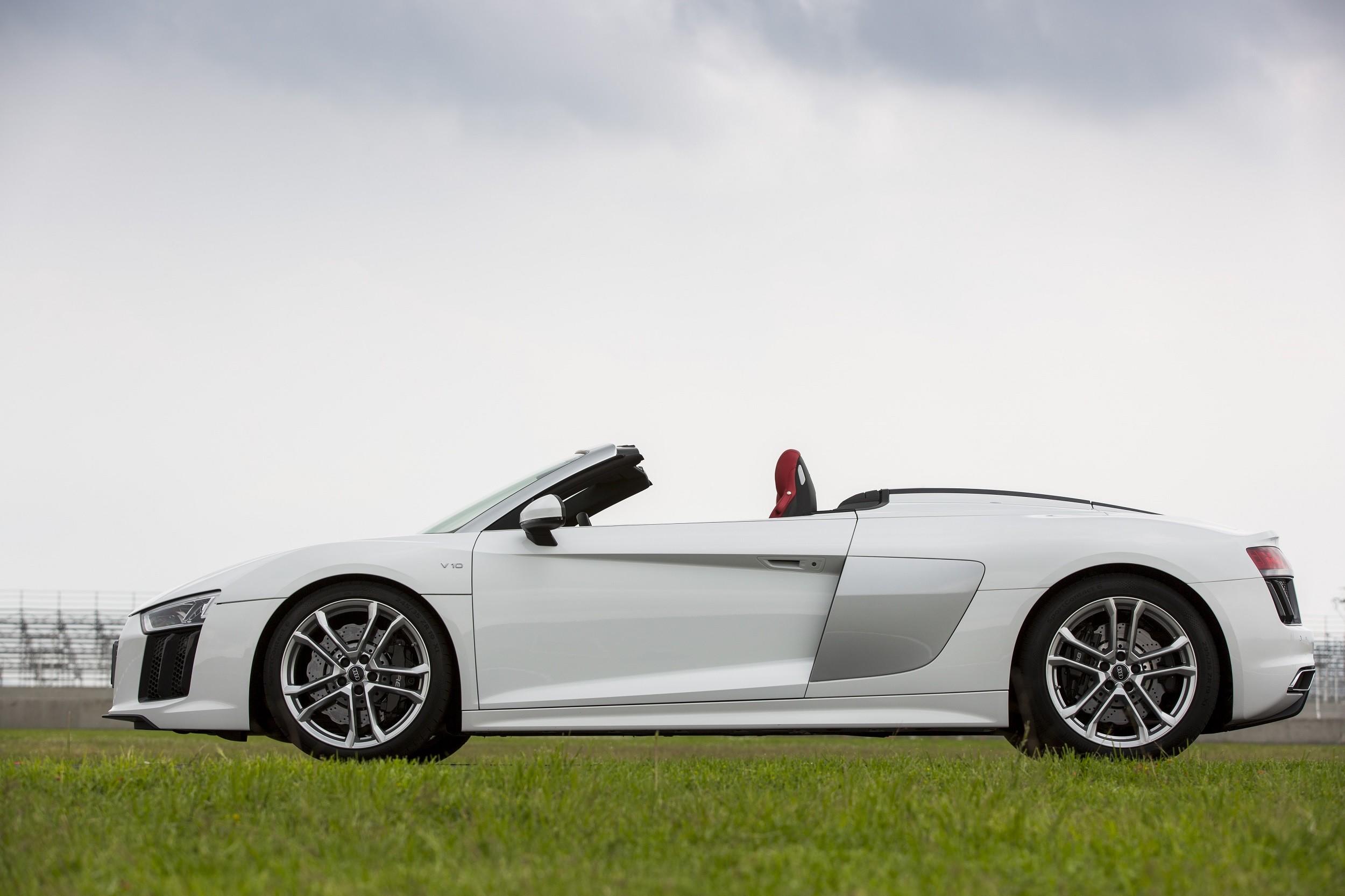 Foto de Audi R8 Spyder (7/38)