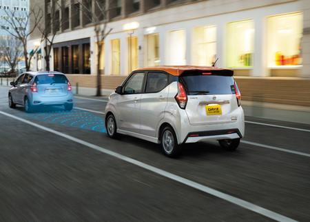 Nissan integra por primera vez en este modelo, tecnología se manejo semiautónomo