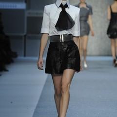 Foto 10 de 15 de la galería karl-lagerfeld-primavera-verano-2010-en-la-semana-de-la-moda-de-paris en Trendencias