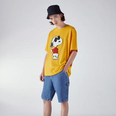 Snoopy vuelve a convertirse en el personaje más cool del verano con la nueva propuesta de Bershka
