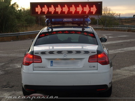 La Guardia Civil desmiente el bulo: no es necesario un certificado para ir en coche a trabajar (por ahora)