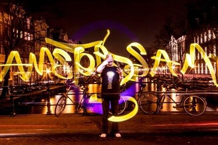 Truco Express: Cómo hacer lightpainting como si fueras un ninja fotógrafo