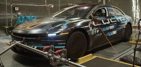 El Lucid Air podría ser el rey de los coches eléctricos, destronando a Tesla: logra 832 km de autonomía en una prueba