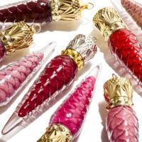 Los nuevos Loubilaque de Louboutin, un toque de glamour que podremos colgarnos del cuello para animar nuestros outfits