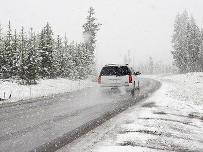 Consejos de invierno en coche: once revisiones que protegen tu vehículo