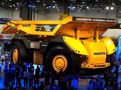 Este camión es del tamaño de una casa y no tiene, ni necesita, conductor