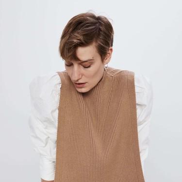 Los chalecos de punto podrían ser una de las tendencias favoritas del 2020 y Zara nos lo demuestra con elegancia