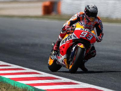 Marc Márquez es el más rápido en los test de MotoGP con un Maverick Viñales que recupera la sonrisa